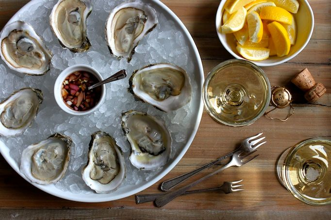 Research has linked low levels of zinc and iron to poorer mental performance in children.  Since Oysters are rich in both of these minerals, they help to stop your mind from wandering and memory lapses.  #healthyeating #healthylifestyle #HealthyFood #superfood #healthyliving https://t.co/ig7sf8ySe9