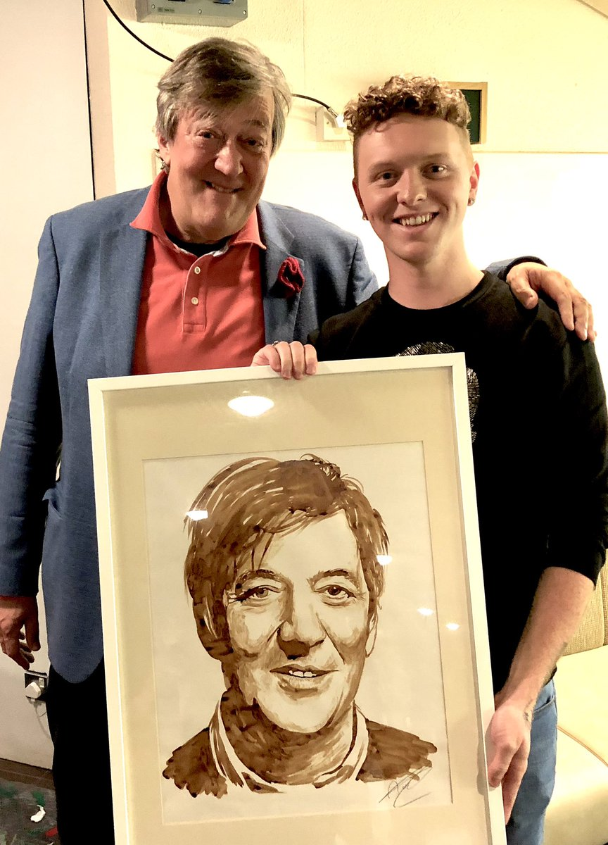With the legendary @stephenfry and his coffee art! Love these reaction shots.... ☕️   #stephenfry #coffeeart #coffeepainting