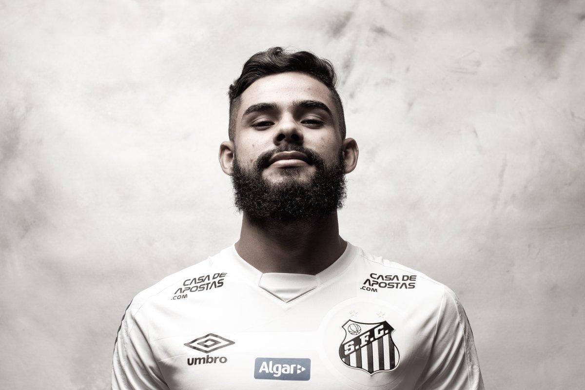 🤍🖤 ¡El sueño de la @GloriaEterna!  🐳 Felipe Jonatan estuvo presente en los 1⃣2⃣ partidos que jugó @SantosFC, finalista de la CONMEBOL #Libertadores.  ✔️2⃣ asistencias ✔️1⃣3⃣ quites  🔜🏆 @Palmeiras 🆚 @SantosFC