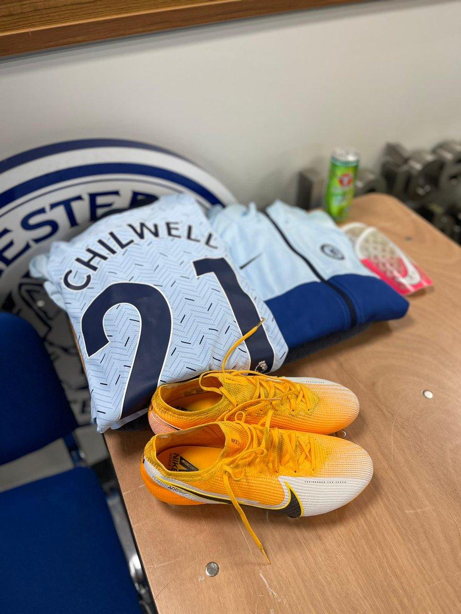 Away kit on show again tonight! 👕😍 #LEICHE