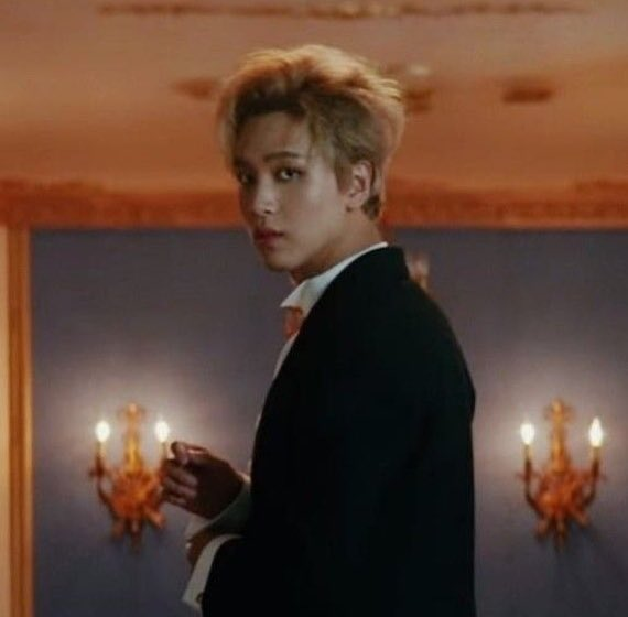 Replying to @LHCLOOKS: now we can celebrate this with haechan's iconic boom era look #WeGotThat_BOOM100M