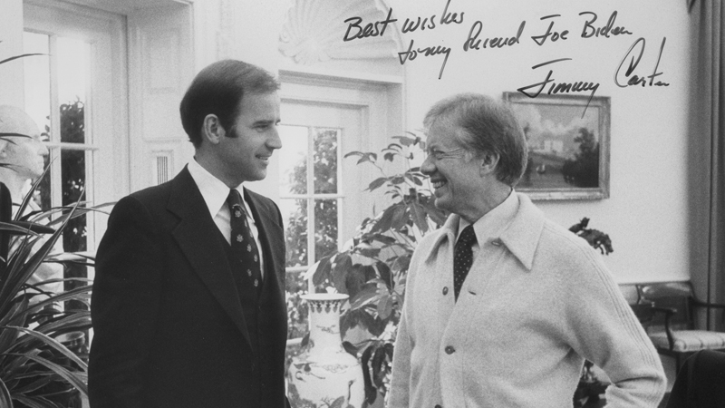 For #InaugurationDayEve here's Senator Joe Biden & President Jimmy Carter (rockin' the cardigan) in the Oval Office, 10/19/79. They met to discuss SALT II, which Biden didn't think was going well in the Senate. This inscribed photo (NAID 841868) was on Biden's Senate webpage.