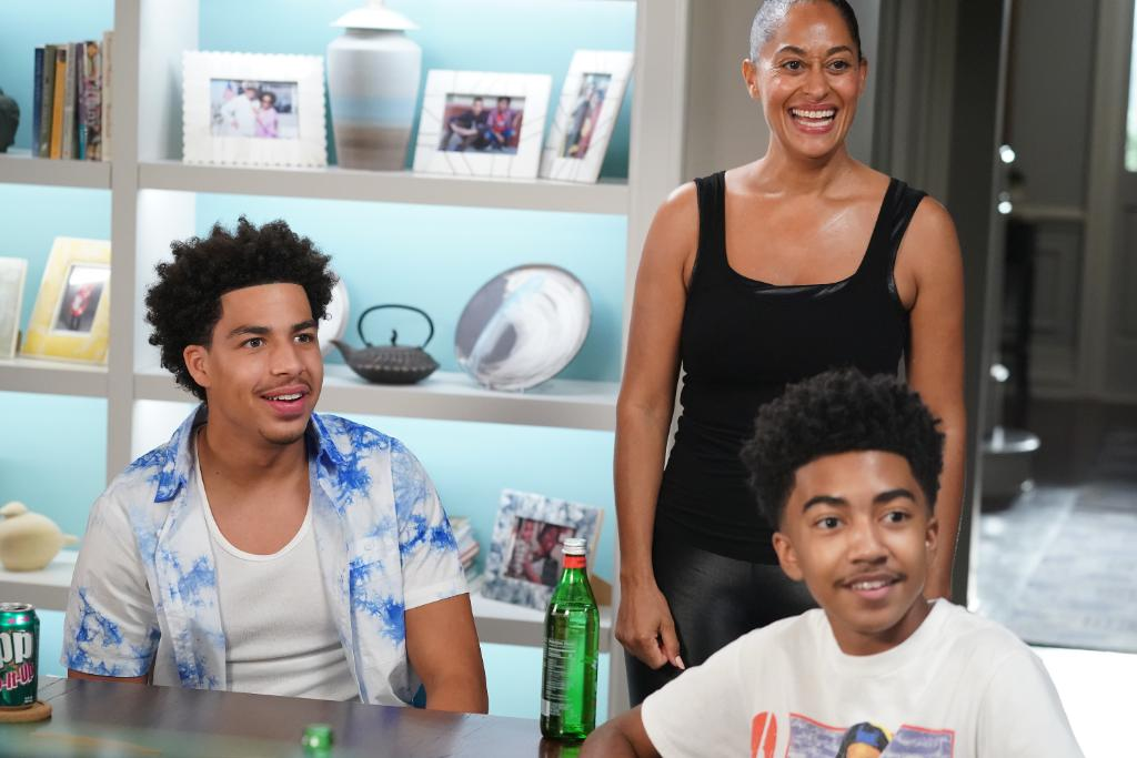Replying to @blackishabc: Smiles all around because #blackish returns in just ONE WEEK! 😎
