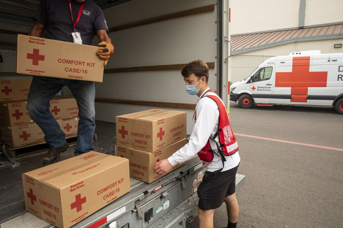 Across the country, Red Cross volunteers help provide comfort and care to families impacted by disasters every day. Tap here to join our team to help make a difference: . #ResolvetoVolunteer