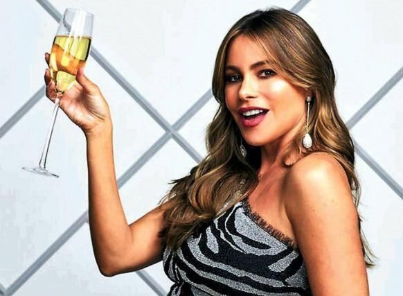 In my opinion @hbomax, @SofiaVergara would be the perfect actress to join the cast of the successful series, she could have sexuality and Latin flavor, in addition to connecting the Latin American public that still does not know much about #SexAndTheCity  #SATCNextChapter