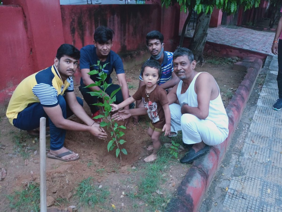 Accepting #GreenIndiaChallenge , Thanks for starting great initiative dear @MPsantoshtrs sir. Let's plant trees for #Green_India .