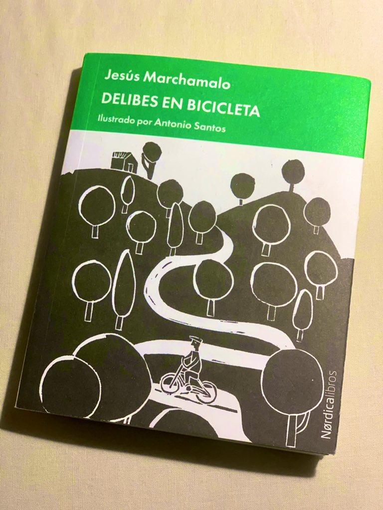 """Cosas bonitas que te regala gente bonita.   ¡Qué paseo más delicioso por la vida de """"Delibes en bicicleta""""!   #bici #bicicleta #enbicipormadrid #delibesenbicicleta https://t.co/mgMqD7unKq"""
