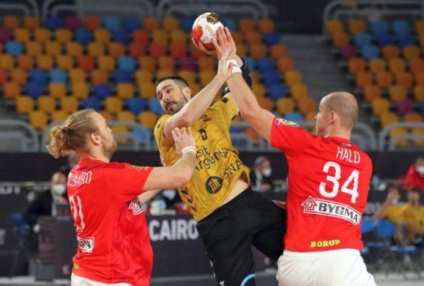 Mundial de Handball: Ya clasificados a la segunda fase Los Gladiadores perdieron con Dinamarca https://t.co/eSGhaW7Qyd  @Egypt2021EN @Egypt2021 @CAHandball @CAHandballARG #Gladiadores @GladiadoresHB @GladiadoresH @juancho_baer @fedepizarro03 @seba_simon @chinosimonet https://t.co/vGcKVhqZX2