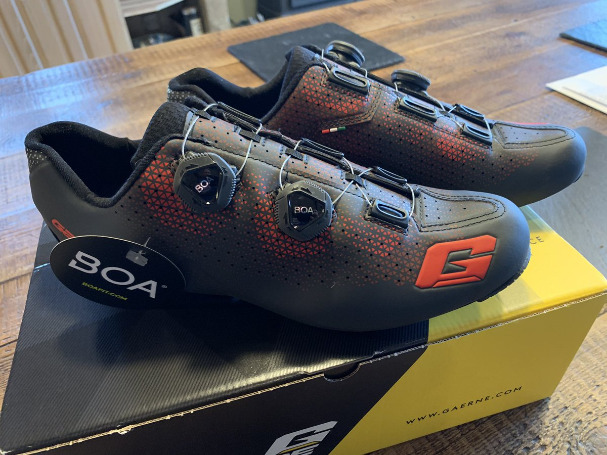 @Timmytondall They're even better in real life, perfect match to the bike