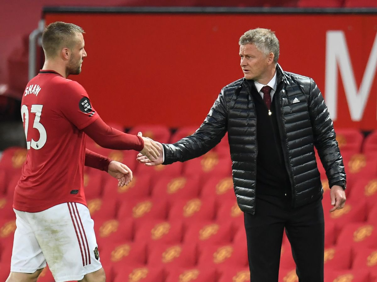 """Solskjaer on Shaw: """"We know his talent, but it was trusting his fitness injury-wise, having players who can back him up.Both Brandon and Alex  coming in have given him a little bit of a push to say 'if you're not performing then I have good options'."""" #MUFC"""