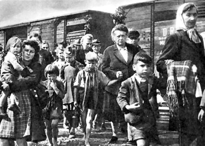 20 Jan 1945: As the #Soviets continue their advance, Germany begins evacuating more than 1.8 million people from East Prussia. The operation took almost two months to complete. #WWII #WW2 #history #HistoryMatters #OTD #EuropeanHistory #ad