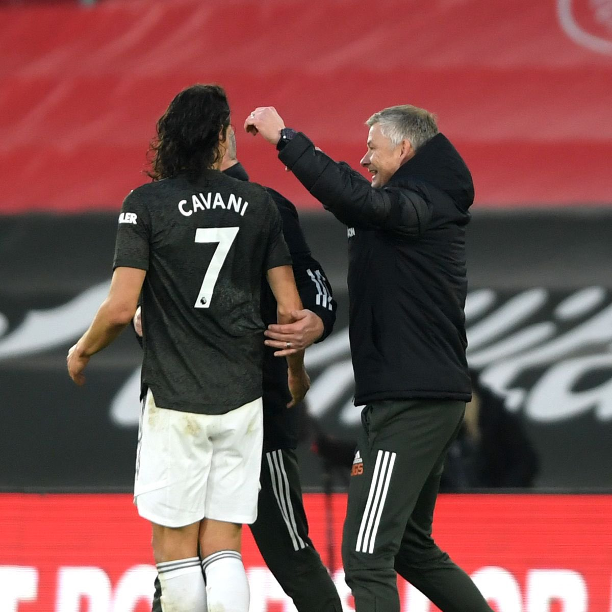"""Solskjaer: """"We're not here for a quick fix, we have players who have a long-term role to play. Even if it's, say Edinson [Cavani] coming in at the age of 33, he still has a part-long term by who he is, and how he comes in and what he does to the club and to the players."""" #MUFC"""