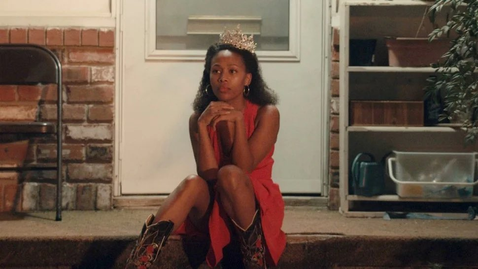 The lot of you are absolutely sleeping on MISS JUNETEENTH. Nicole Beharie gives an arresting performance as a mother facing life's adversities doing what's best for her daughter and herself. Enrich your lives and watch it immediately. Then give it ALL the awards. 🏆 💐