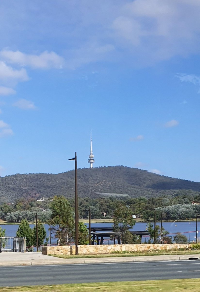 Good morning, Canberra and Aussies! Hello, World! View from the bus. Beautiful start to the day! Blue skies. Enjoy your day! 💖💖 #Canberra #summer #sunny #beautiful #blue #skies #TelstraTower #Australia