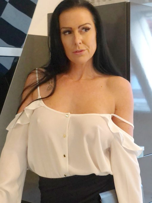 3 pic. QUESTION:  In which studio would u like to see me ?  @Brazzers  @WickedPictures  @naughtyamerica