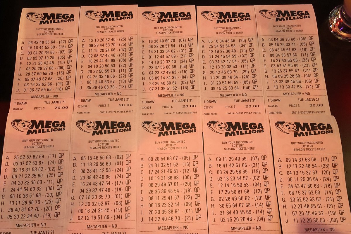 #DakotaCashBombGiveAway 💰💣 #MegaMillions Jackpot - if I win tonight's jackpot 25 % will be distributed to all followers  RT / like this ASAP-we will have to figure out tax implications if hits. Drawing is tonight $800 mil plus prize pool! #TwitterPhilanthropy #FantasySpinApp