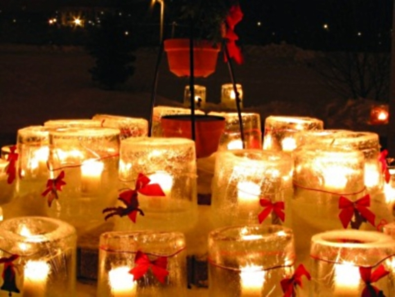 #COVIDMemorial   We have a tradition at Christmas to put ice candles on the graves of those lost. Americans need to know that someone cares that 400,000+ lives are lost to a deadly disease.    To lead a nation in grief and unity is the right way to start this administration.