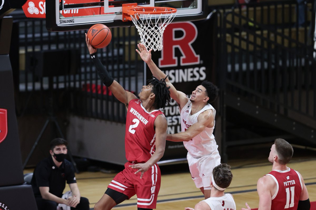 The Journey House College Sports Show Powered by @WaterStoneBank & Presented by @DrinkSoulBoxer is on the air NOW w/ @Butch_AFL & @DanUnderberg!  @savedbythebelz from Bucky's 5th Quarter stops by at 6:20, @haslametrics joins us at 7!  Listen: