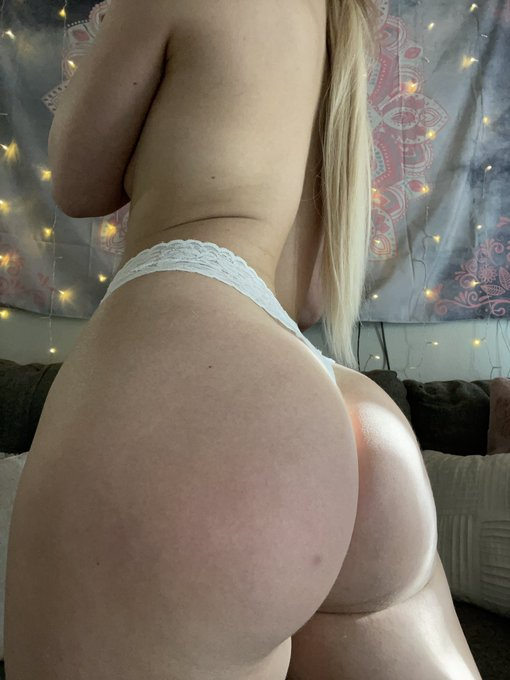 did you vote for me for most epic ass? 😝💌🍑❤️   https://t.co/ma31nw3Heu https://t.co/OCRmZpnJmn
