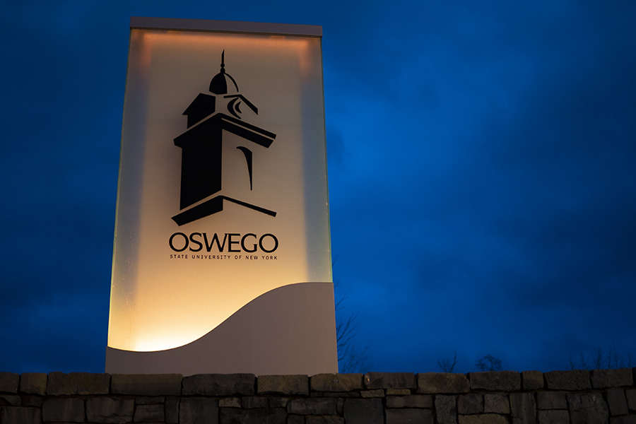 SUNY Oswego joins President-elect @JoeBiden and the nation in lighting up America in memory of the more than 400,000 lives lost due to COVID-19.  #COVIDMemorial  #CommonHumanity  #TogetherOz