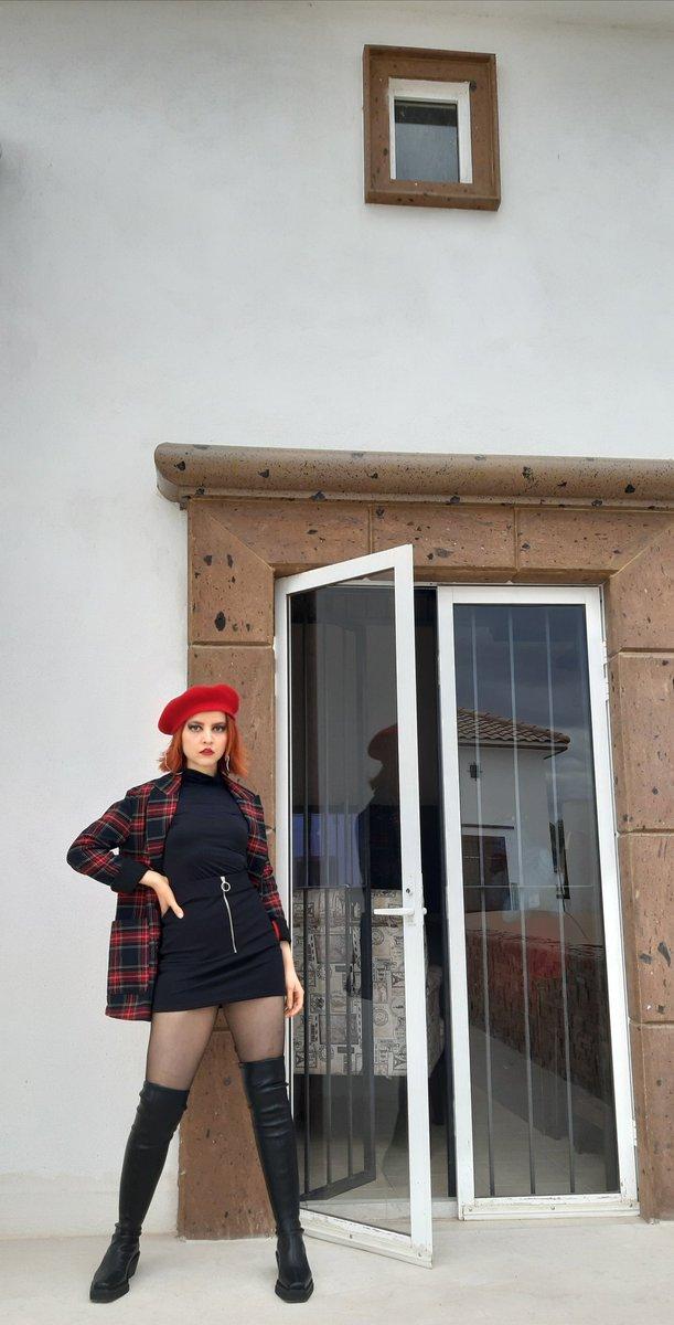 X #ootd #ootdsimple #fashion #moda  #mexicangirl  #selenagomez  #arianagrande  #blackpink  #redhair #BTS #billieelish #torreon #torreonchido #Zazekina #90sfashion #méxico #invierno #winter #mileycyrus #dualipa #hayleywilliams #taylorswift #DannaPaola