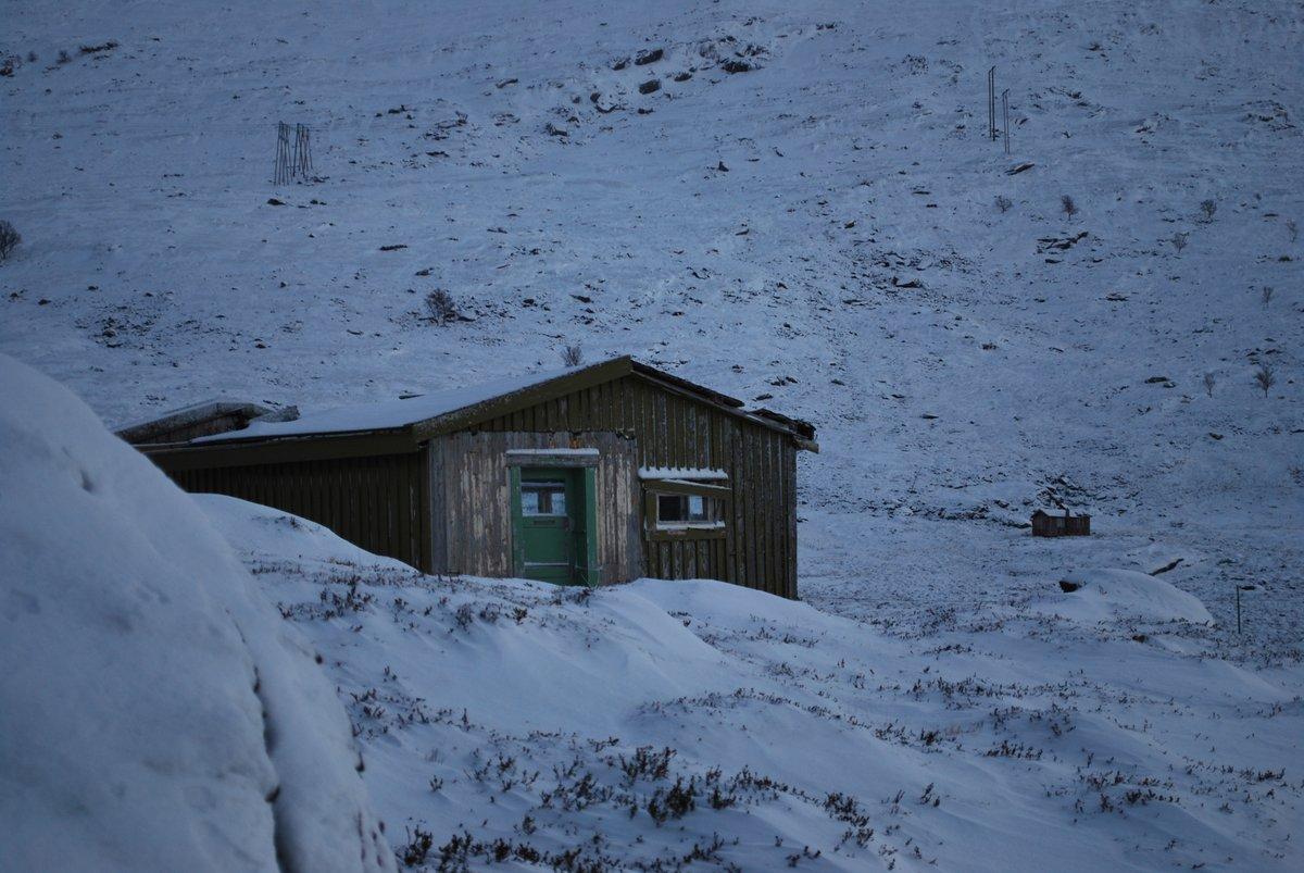 Gammel forlatt hytte på Kvaløya i Finnmark #nikon #cabin #abandoned #winter