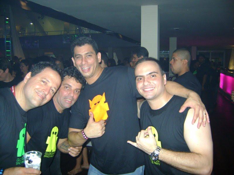 Direto da Festa da Globosat lá em 2009 hahahaha bons tempos https://t.co/C6JW7CQtaI