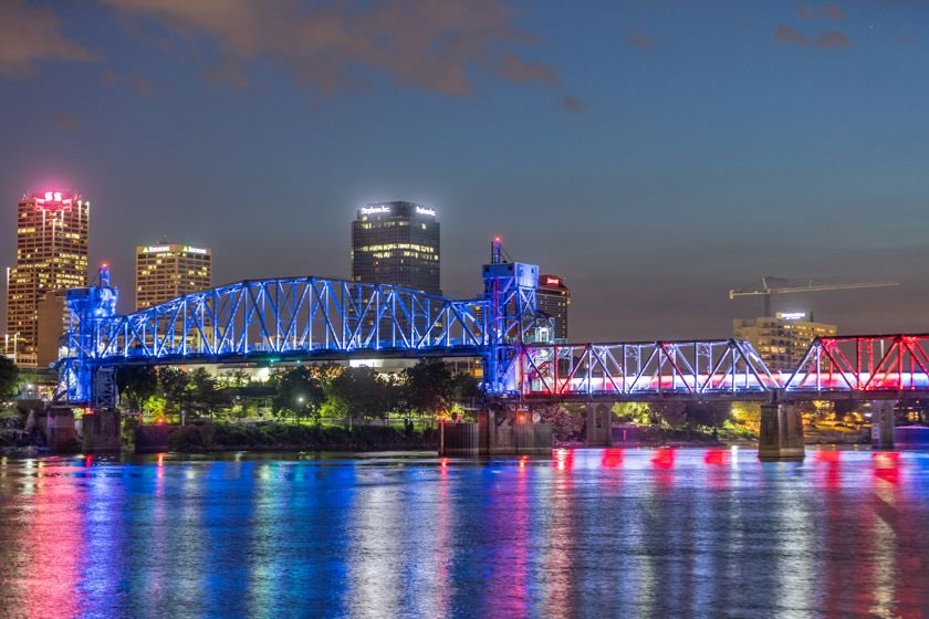 #UniteLR—Tonight #LittleRock will light up our bridges along with the nation for @BidenInaugural's #COVIDMemorial. We honor and remember all those lost to #COVID19.