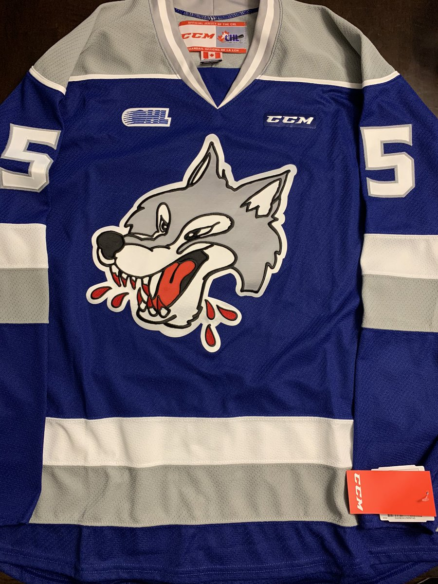 🚨🚨 GIVEAWAY TIME! 🚨🚨  RT this tweet and follow me for your chance to win this Quinton Byfield Sudbury Wolves jersey!  I'll randomly draw the winner on Feb. 1. Good luck! #Hockey365 #HockeyTwitter