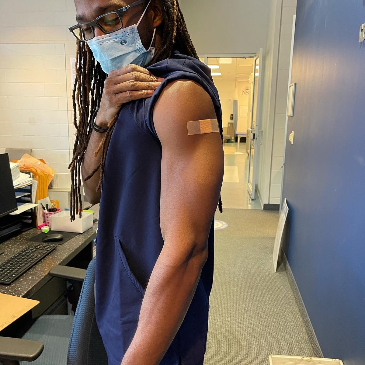 2nd dose ✅  From this point, 1-2 weeks needed to be considered fully vaccinated.  Stay distant and keep yourself 😷   #covidvacccine #phizer #ourshot #blackexcellence #melanin #blackdoctors #melanindoc #physicaltherapist #sportsmedicine #cdc #vaccination