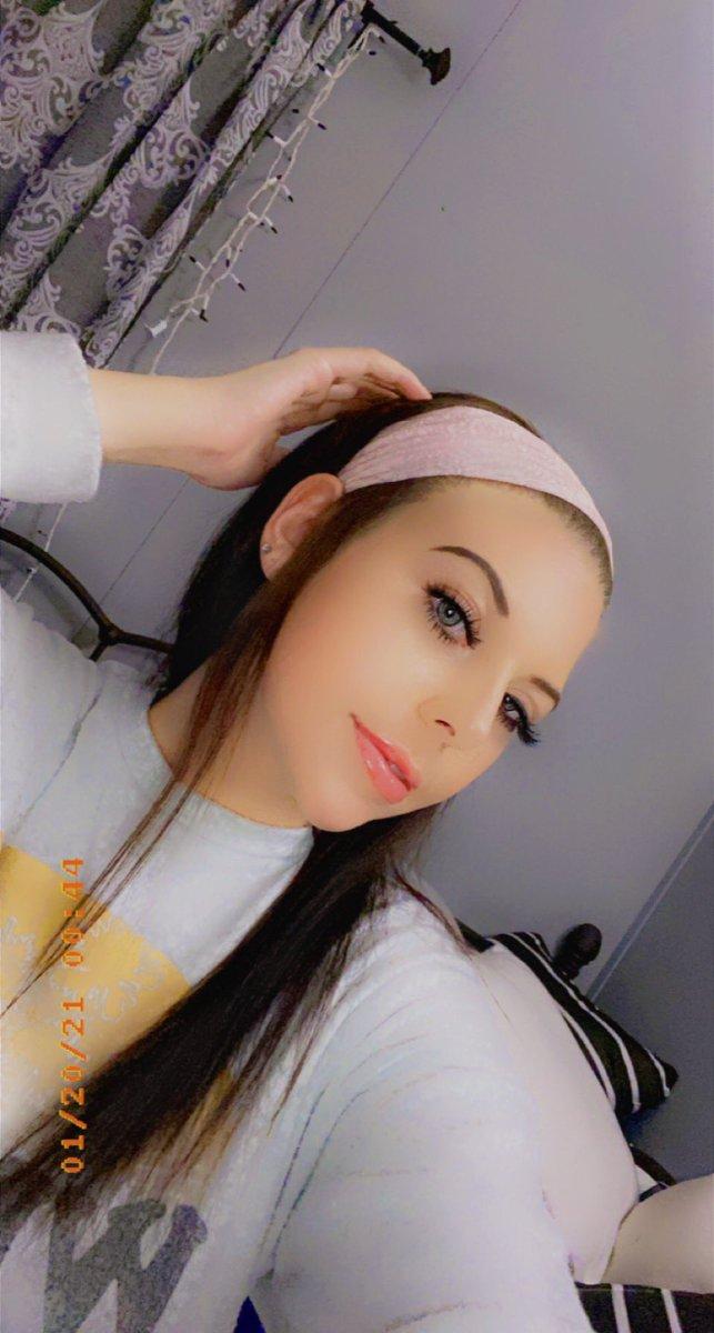 add me on snap ; @ kaycee.breann 🧸 #girls
