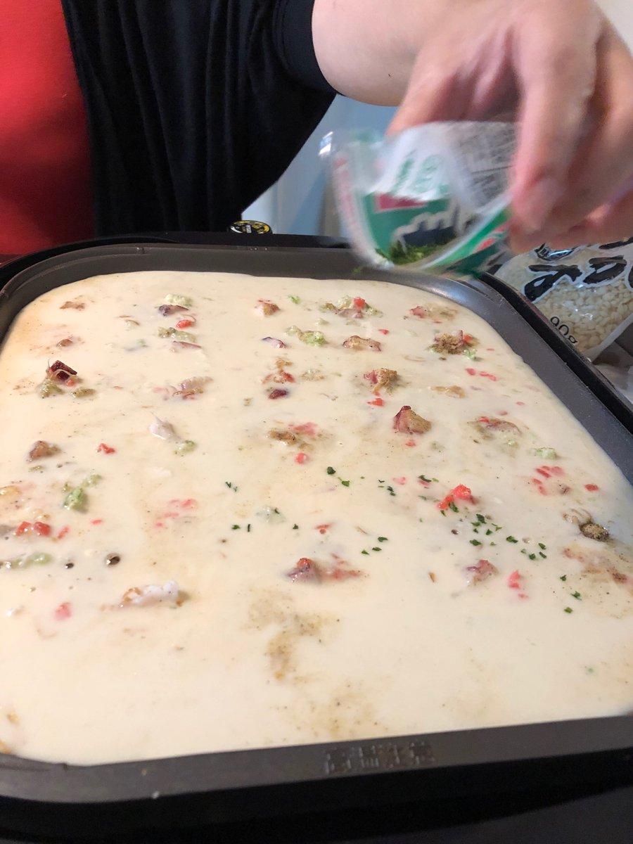 I made some #Japanese #takoyaki for dinner! #foodie #food #japanesefood https://t.co/XqxmFw6b7d