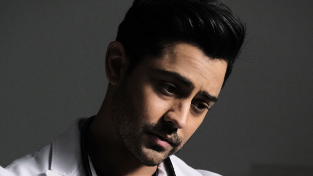 """.@TheManishDayal reveals how the death of Devon's dad will steer him in a """"new direction"""" & hints someone from Devon's """"past"""" comes back into his life. Exclusive interview:  @ResidentFOX"""