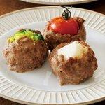 Image for the Tweet beginning: 【みんなのきょうの料理】 #Instagram でビギナーズ向けレシピ情報投稿中!  今日のレシピは、大庭英子さんの「野菜入りミートボール」です。 ぜひチェックしてみてください!   #きょうの料理 #大庭英子 #レシピ #ビギナーズ