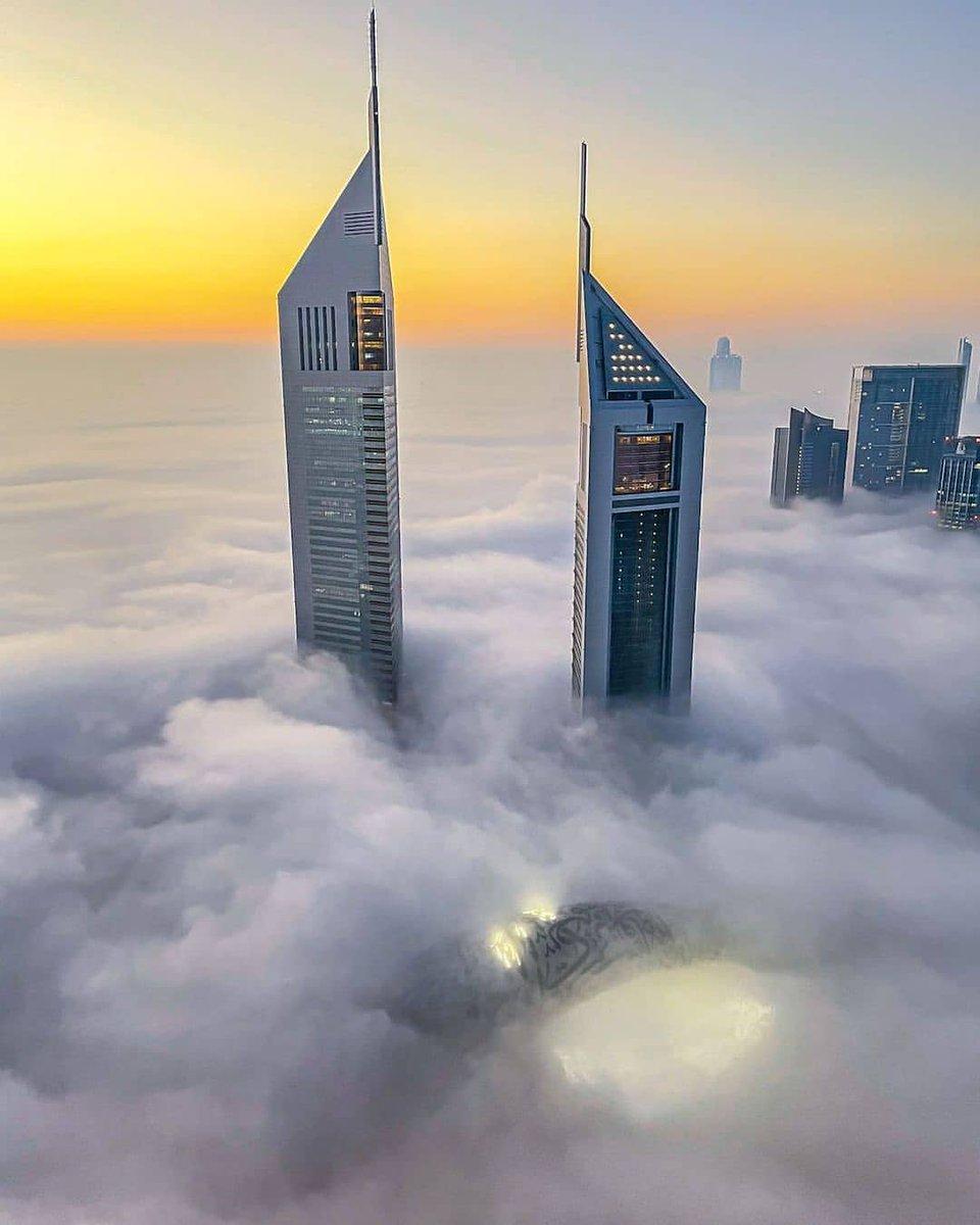 #Dubai - Dubai. Photo by ig:abdulaziz_photos #PicsDubai #MyDubai #VisitDubai #PhotoOfTheDay #PicOfTheDay #InstaLike #City #Skyline #Skyscraper #Design #love #instagood #happy #travel #kind #future #2021 #newyear #goodmorning #fog #KeysOfDubai