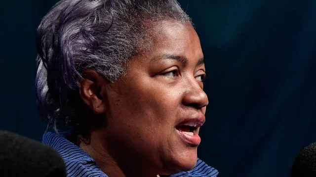Replying to @thehill: Scalise bringing Donna Brazile as guest to Biden inauguration