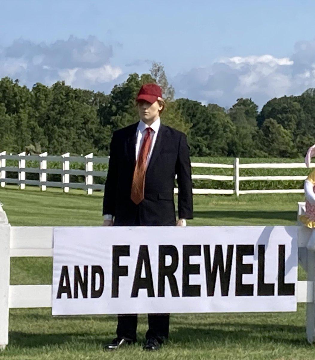 @MeidasTouch #GoodbyeDonnie