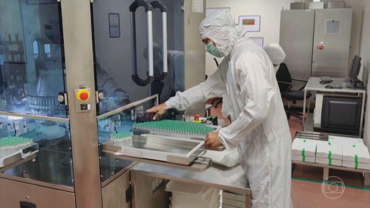 Após atrasos e vários problemas de logística por parte do Ministério da Saúde, as quase 6 milhões de doses da CoronaVac já estão em todos os 26 estados e no Distrito Federal. Profissionais da área da saúde serão os primeiros imunizados:  #JG