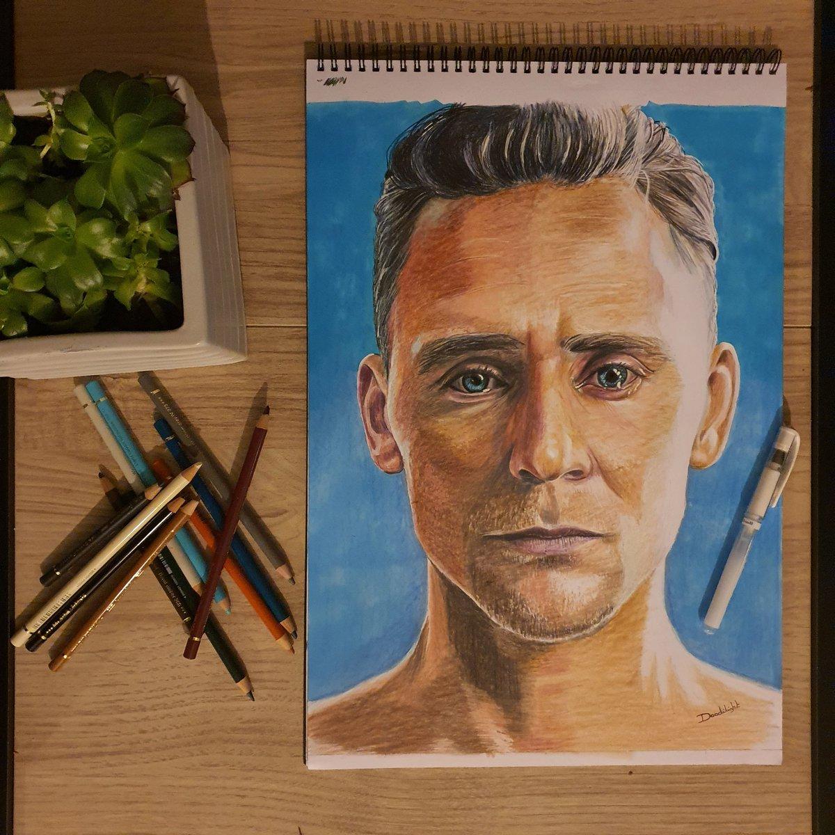 Tom Hiddleston 🙊 #tomhiddleston #tomhiddlestonedit #tomhiddlestonedits #loki #lokiedit #lokiedits #fanart #thor #marvel #marvelart #mcu #marveluniverse #portrait #pencildrawing #pencilart #pencilportrait #pencilsketch #crayondecouleur #crayon @fabercastellfrance @twhiddleston