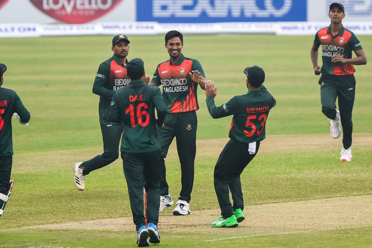 Mustafizur Rahman strikes again 💥  Joshua Da Silva is caught by Liton Das for nine. West Indies have lost their openers!  #BANvWI |