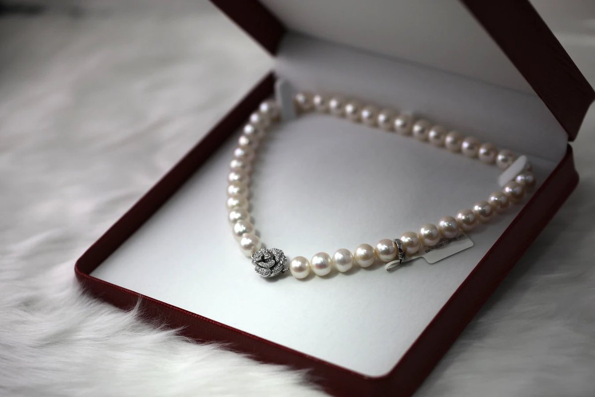 Sell your unwanted, unused or unloved luxury jewelry.   We buy luxury items valued between £1,000 and 1,000,000+  Visit    #ad #luxury #sell #pearls #luxurylifestyle #money #pawn #raisefunds