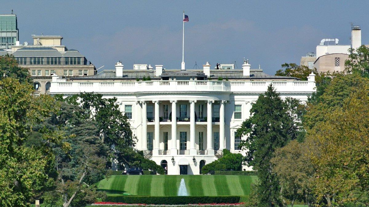 Heute zieht ins #WeißeHaus mit Joe #Biden (78) ein neuer #Präsident ein. Es wächst berechtigt die Hoffnung, daß die amerikanische Politik wieder menschlicher, ehrlicher und berechenbarer wird! Ein guter Tag! (Foto habe ich gemacht,kann bei Urheberangabe frei genutzt werden) #USA