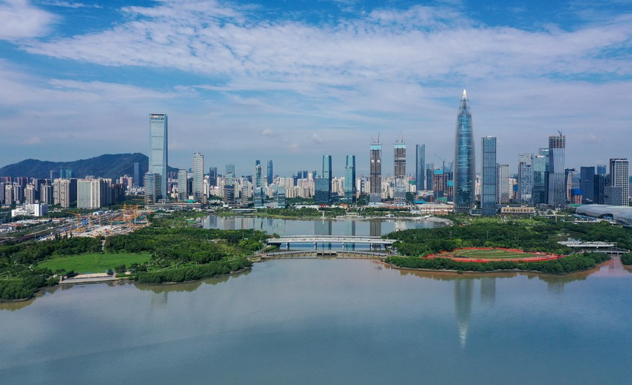 Building on effective #COVID19 containment and measures to optimize business climate, FDI into Chinese mainland, in actual use, expands 6.2% year on year to record high of 999.98 bln yuan in 2020, revealing how alluring China is to foreign investors
