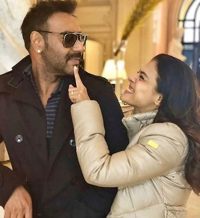 Replying to @filmfare: This picture of #AjayDevgn and #Kajol is beyond adorable.