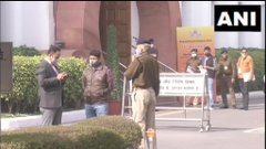 #Delhi : A delegation of farmer leaders arrive at Vigyan Bhawan for the tenth round of talks with Union Government on the three #FarmLaws . #TV9News