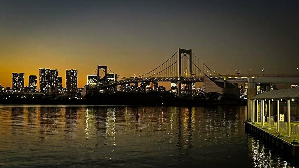 久しぶりに来た 工事中だと聞いてたから撮る気はなかったけど、とりあえずiPhoneで1枚  #sunset  #odaiba  #tokyo  #japan