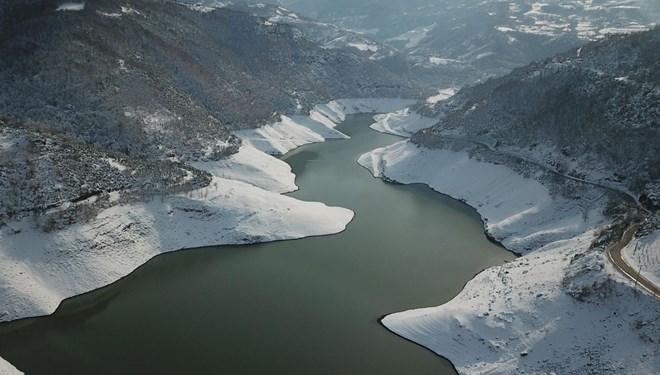 🔥 İstanbul'da baraj doluluk oranları açıklandı İstanbul barajlarında doluluk oranı son yağışların etkisiyle yüzde 30,77'ye yükseldi. Baraj doluluk oranı son 11 günde 11 puandan fazla artış kaydetti. https://t.co/RFbnWlSu5O https://t.co/cujGjBWOAd