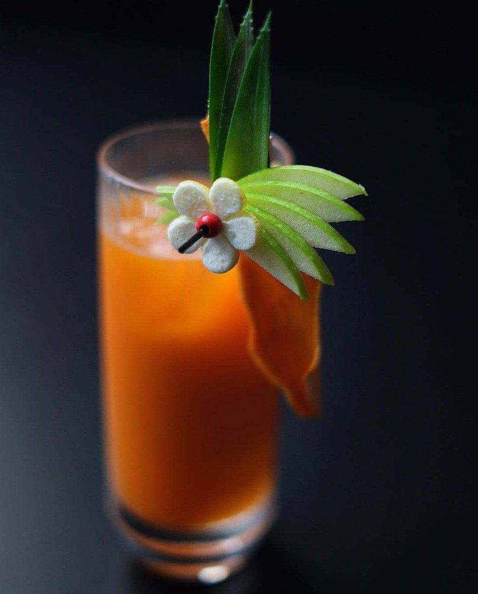 The perfect anti-inflammatory juice containing inflammation fighting ingredients like carrot juice, ginger and tumeric.These amazing healthy ingredients to help reduce swelling or inflammation of the body. #fitness #Wellbeing #healthy #juice https://t.co/Hc9ZQPA4bt