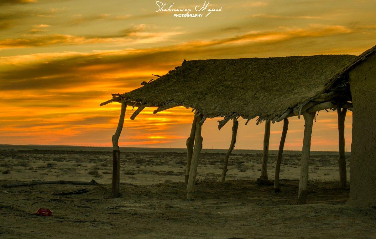 دیگر انت تہنائی رتکہ کدہاں چادر ءَ چنڈاں ءُ دمکے سرگراں  Balochistan   بلوچستان  #photography #nikonphotography #sunset #sunsetphotography #photooftheday #photo #Balochistan #Cloud
