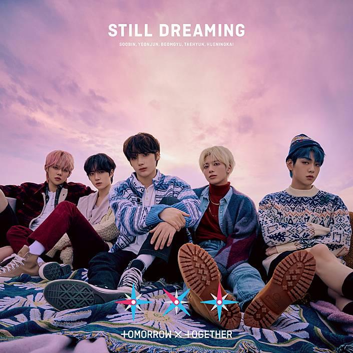 #TOMORROW_X_TOGETHER 日本1stアルバム『STILL DREAMING』 待望のリリース⚡️  大ヒット中の #Force や日本オリジナルの新曲など 豪華10曲を収録🎧  #LINEMUSIC で聴いてみてね💫 ▶️  #TXT #STILL_DREAMING  @TXT_bighit_jp